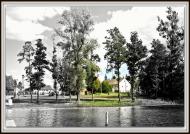 Nad jeziorem B&W - PLAKAT