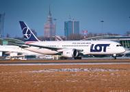 AeroStyle - plakat start Boeinga 787 na tle Warszawy