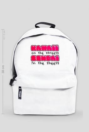 """Mały plecak z kawaii napisem """"Kawaii on the streets, senpai in the sheets"""""""