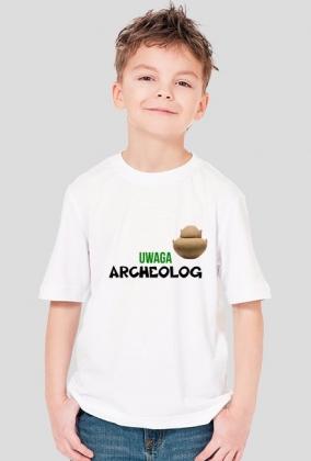 Uwaga mały Archeolog